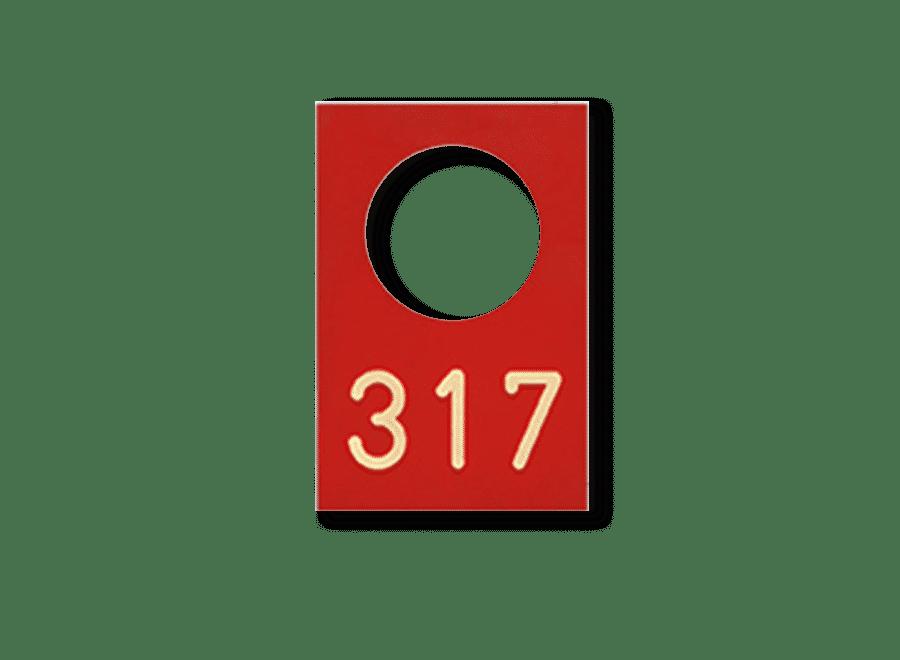 Typenschild aus Kunststoff, Zahlen gefraest
